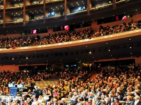 Crowd for Opera Junior New Year concert