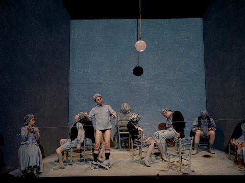 Scene des Meubles l'enfant et les sortilege Opera Junior